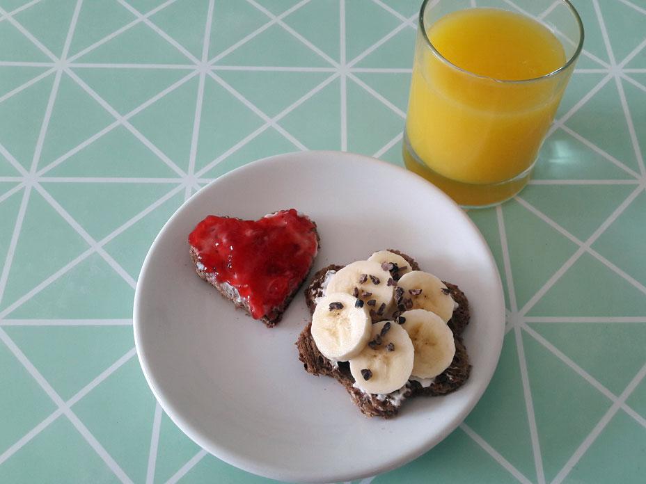 Gezond kwark ontbijt met brood