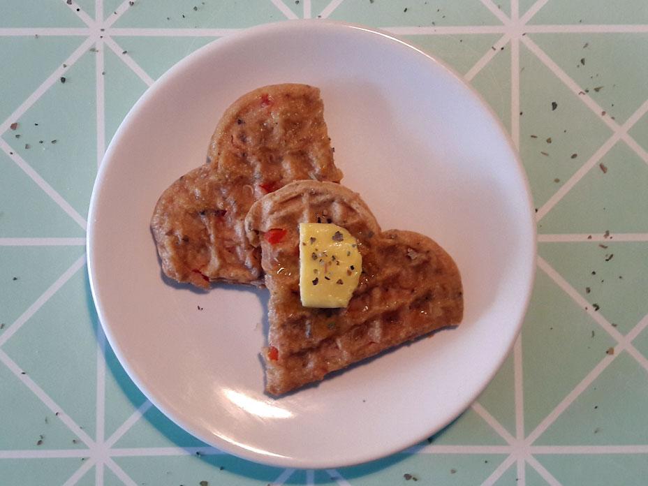 Hartige wafels met kaas & paprika