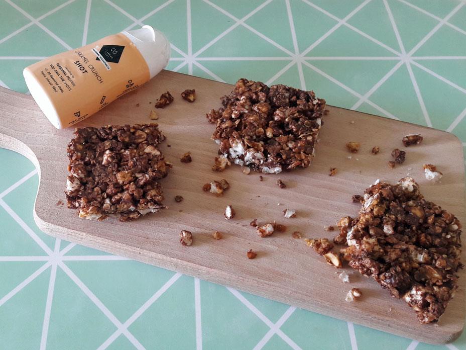 Gezonde snackreep met noten en chocolade