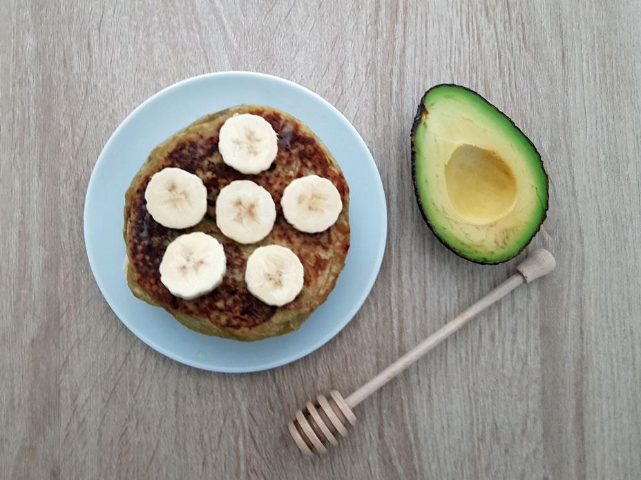 Banaan avocado pancakes