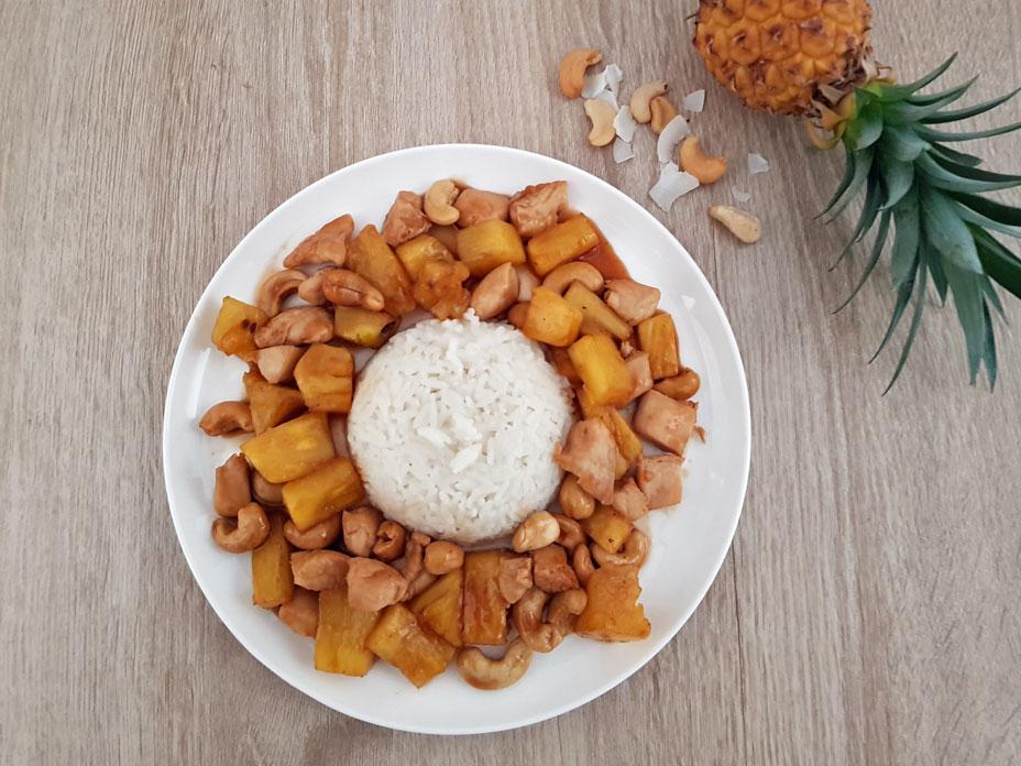 Kokosrijst met kip en ananas