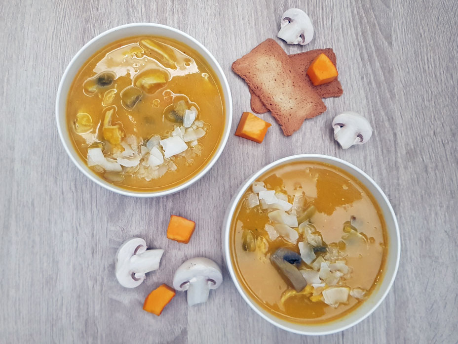 Pompoensoep met champignons en kip