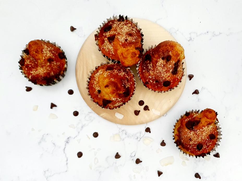 Banaan muffins met kokos en chocola