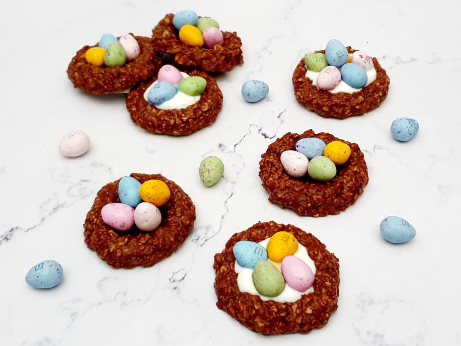 Paasnestjes met kwark en choco eitjes
