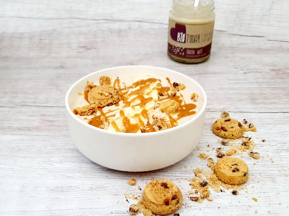 Cookie dough smoothie bowl