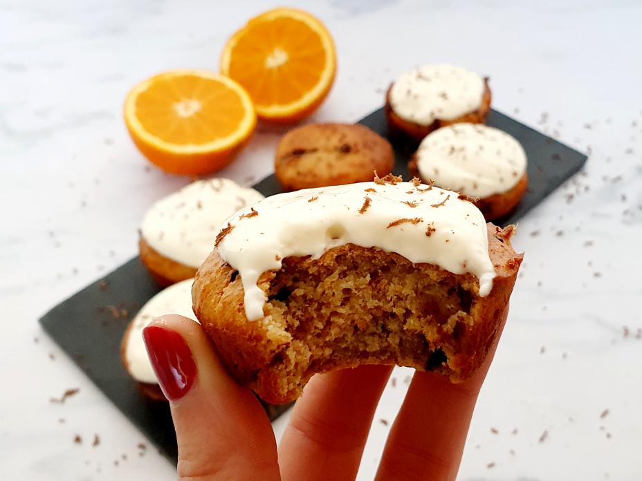 Sinaasappelscones met pure chocola